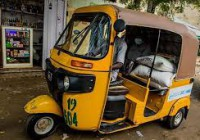 Au Nigéria, pousse-pousse et bateaux acheminent des vivres dans les villes touchées par le coronavirus